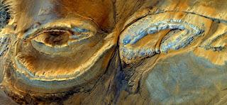 Mujer africana ojos torturadas, violadas y apedrearon, paisajes abstractos, abstracto Naturalismo, abstractos fotografía desiertos de África desde el aire, expresionismo abstracto, formas de fantasía de piedra y colores,