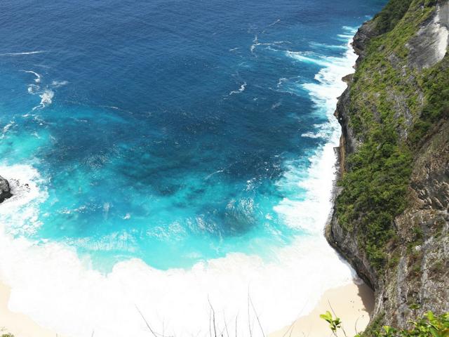 INDAHNYA  KELINGKING BEACH : PULKAM NUSA PENIDA