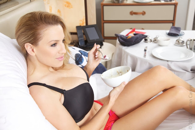 Jordan-Carver-Breakfast-Photo-Shoot-HD-Image-11