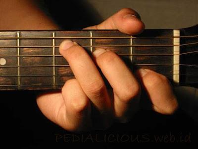 Cara Menekan Senar Chord C Major