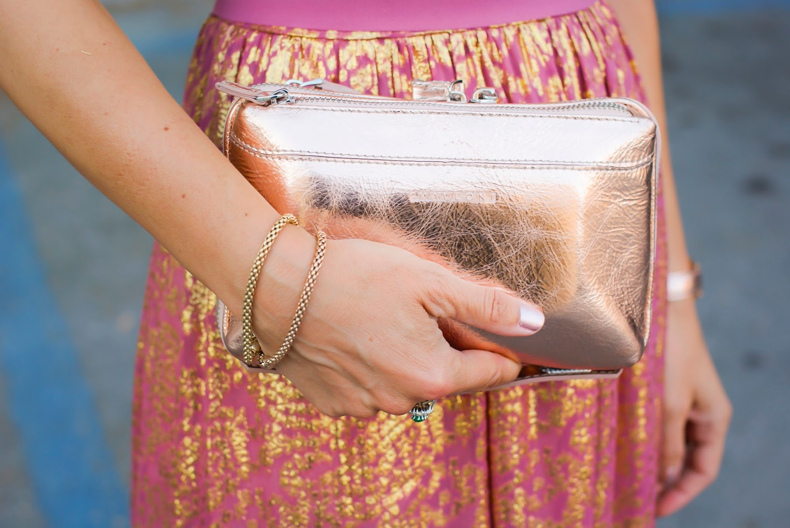 Metallic Malloni clutch on Fashion and Cookies fashion blog, fashion blogger style