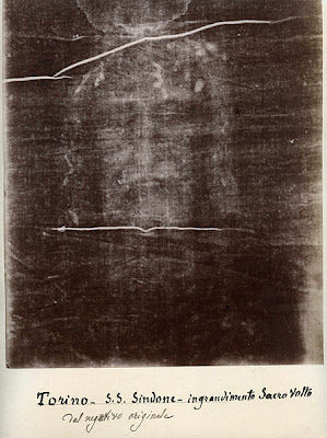 New analytical tests performed on the Shroud of Turin, a linen cloth imprinted with the face and body of the man who was buried in it, confirms the date of the cloth to between 280 BC and 220 AD