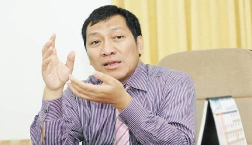 Deni Daruri: Rupiah Drop, Ke Mana Jurus Bank Indonesia?