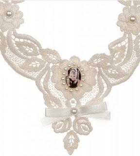 Audrey Hepburn krem dantel kolye satın al