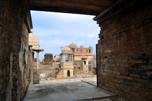 chittorgarh fort life rajasthan town heritage palace inside view