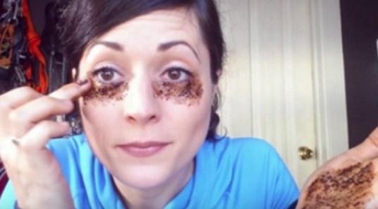 Mengatasi Mata Panda Dengan Kopi