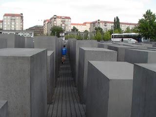 monumento a los judios de berlin