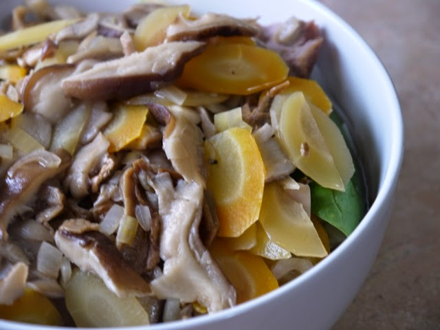 Pork and mushrooms with noodles