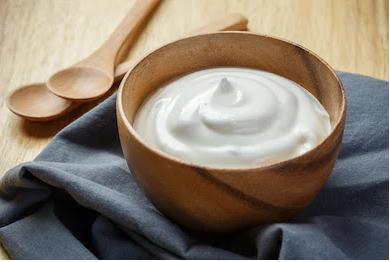 Benefits of yogurt for glowing skin in hindi