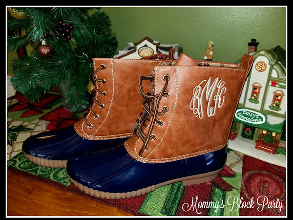What a Girl Wants: Trendy Monogrammed Duck Boots from Carolina Clover #MBPHGG17
