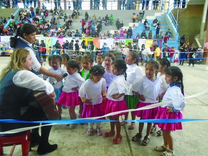 Amalia de Vargas muestran talentos | Colegios y Escuelas de Bolivia
