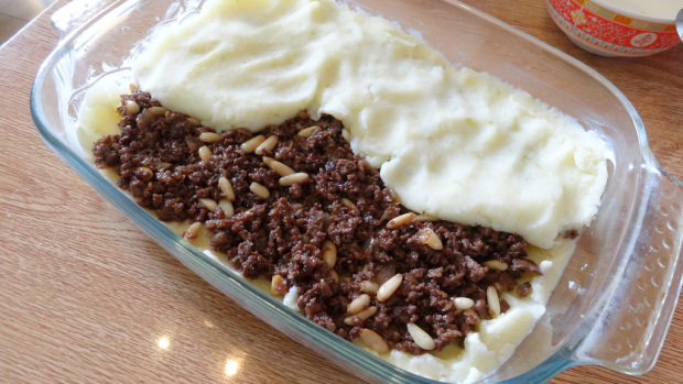 Baked Mashed Potatoes With Meat