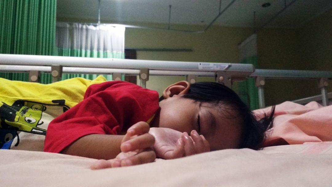 Saat anak berada di ruang perawatan pasien di TFC puskesmas Sukmajaya Depok