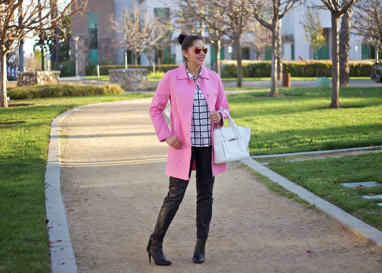 How to style a pink trench with black and white, pink trench with leather pants, pink coat with leather pants