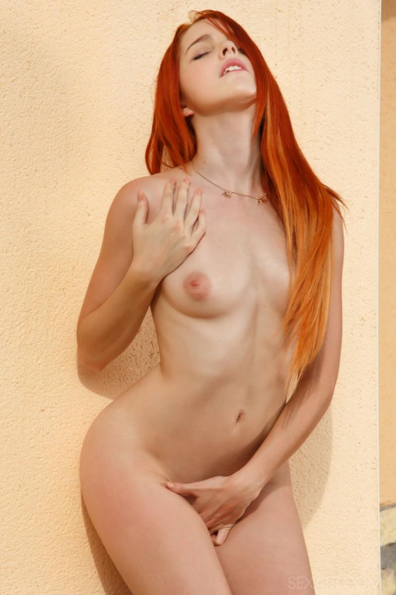Фото красивой рыжей пизды затем