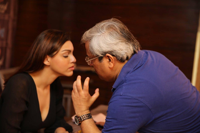 Harvinder Mankkar Shake Yours Butt With Kyra Dutt