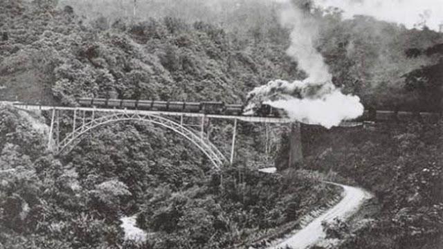 sejarah keberadaan rel kereta api lembah anai sumbar