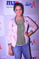 Sree Mukhi at Meet and Greet Session at Max Store, Banjara Hills, Hyderabad (33).JPG