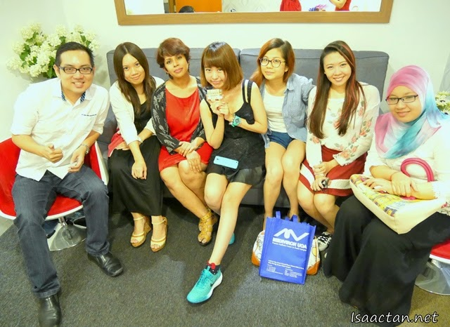 One for the album, the bunch of bloggers at Mediviron UOA Clinic's first bloggers event