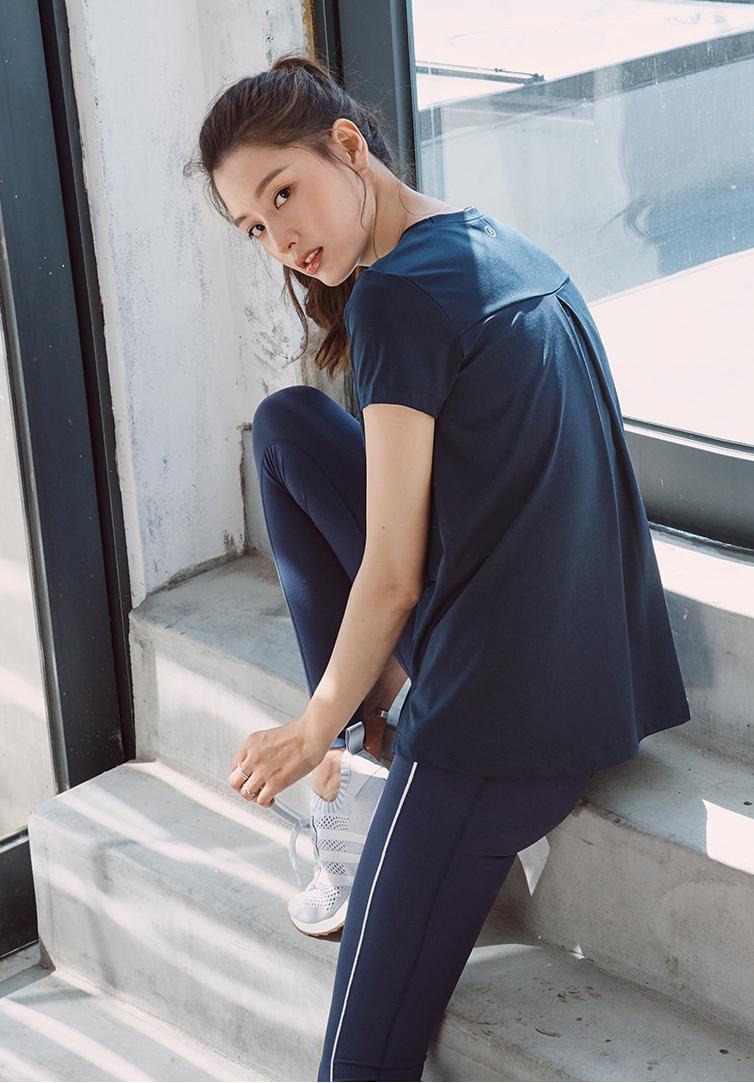 Jaekyung and NS Yoon-G for Barrel Fit - Oct 2017 - Asian