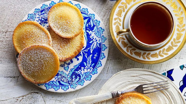 These little cakes are similar to a pikelet Cardamom and saffron cakes (khanfaroush) recipe