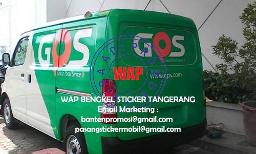 Pasang Sticker Mobil