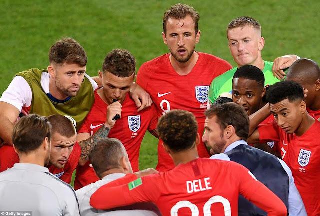 BÌNH LUẬN: Cứ 'lầy lội', tuyển Anh sẽ có cơ hội 1