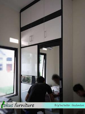 Lemari 2 pintu besar full plafon