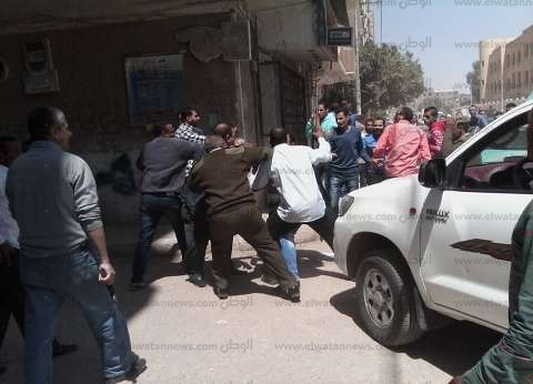 أهالي قرية بالدقهلية يحتجزون 6 بتهمة خطف أطفال