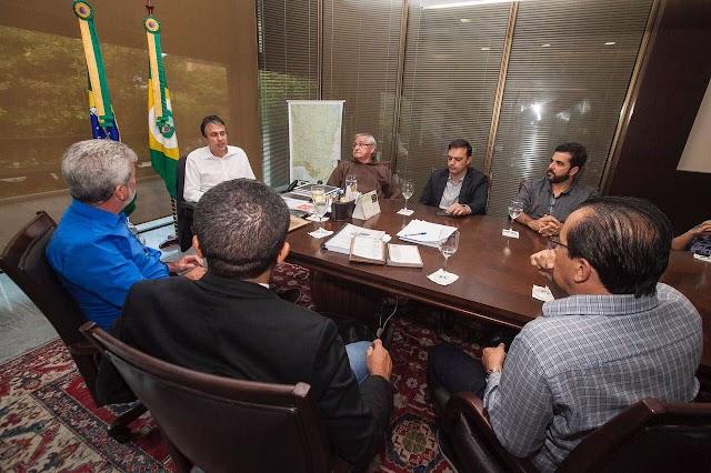 Governador Camilo e Fernando Santana procuram solucionar questão do transporte de romeiros com representantes da igreja de Juazeiro do Norte