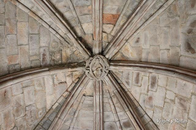 Palacio real del Monasterio de Santa María de Carracedo
