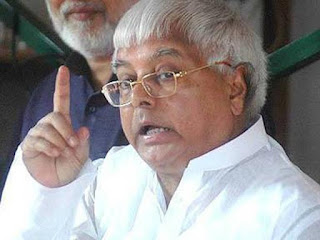 Lalu makes hilarious mimicry of Narendra Modi