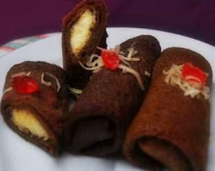 Indonesian Food Cookies Dadar Gulung Isi Pisang Coklat