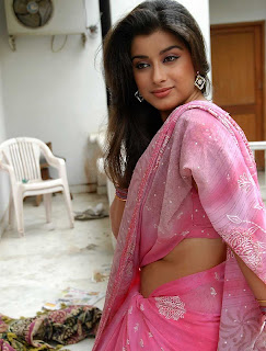 madhurima  in saree 007.jpg