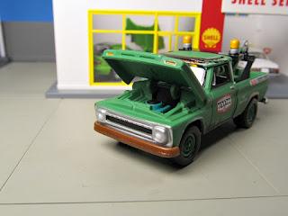 Johnny Lightning  Texaco Tow Truck