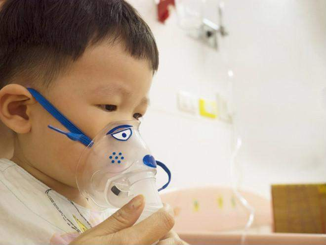 Bệnh viêm phổi ở trẻ em: Dấu hiệu và cách phòng chống theo lời khuyên của bác sĩ Nhi - Ảnh 1