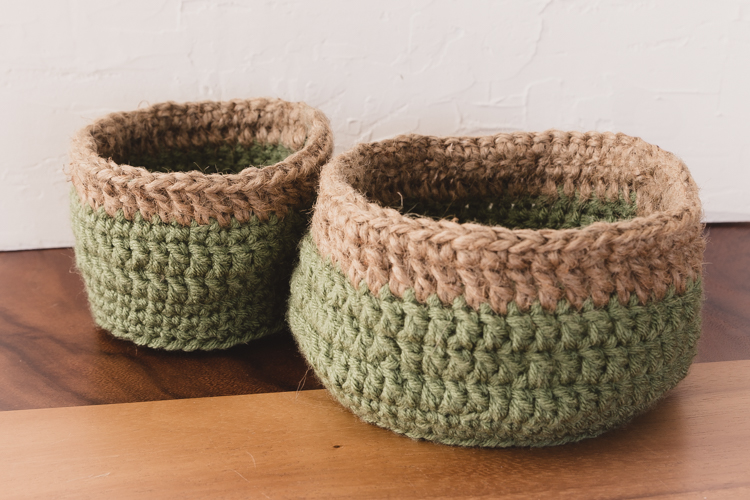 DIY crochet | rustic basket | free pattern | burlap | home decor | $100 room challenge