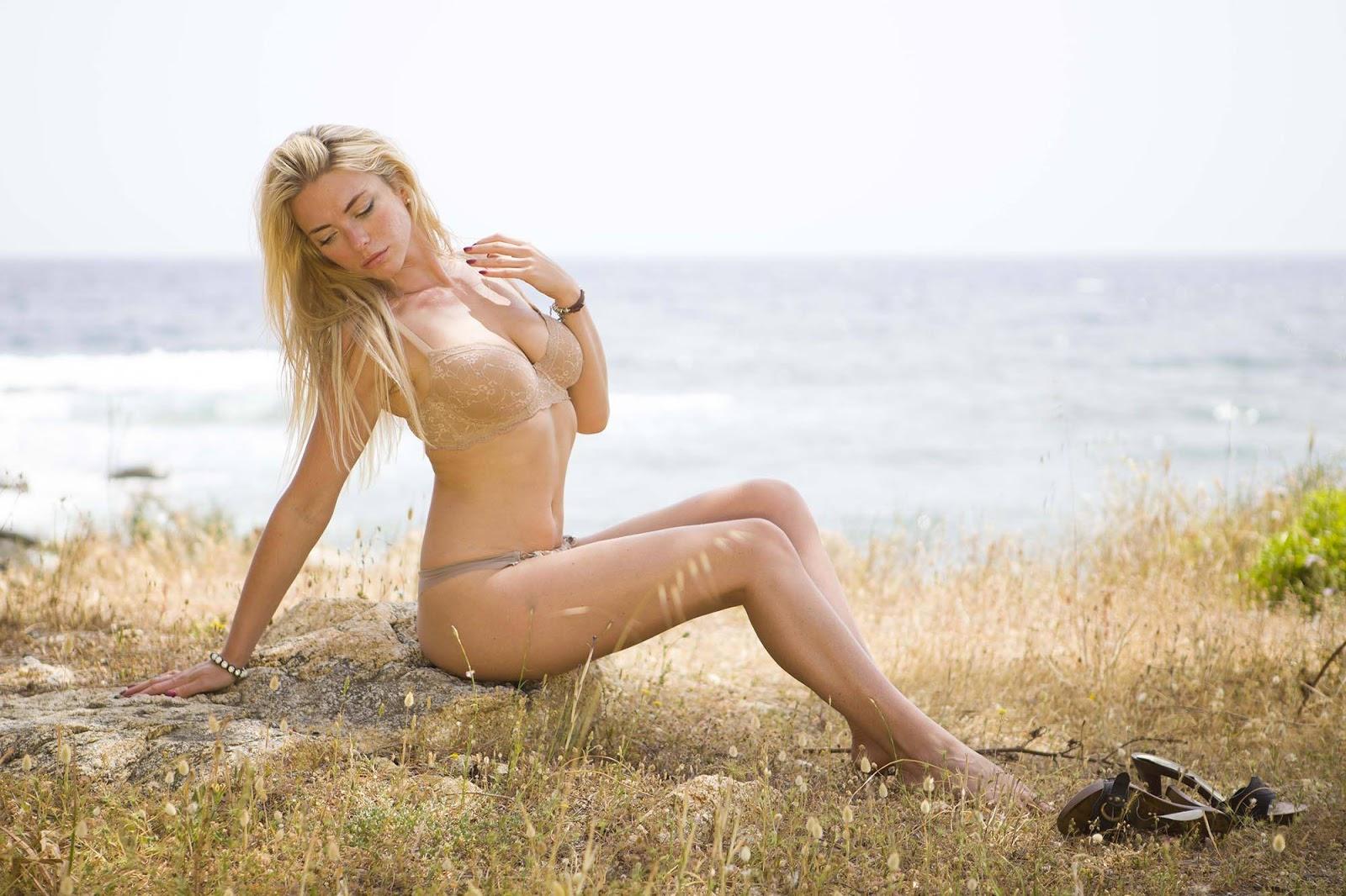April summer naked ozawa sex idol