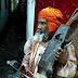 जोगी बाबा आये हैं रे कक्का के हियाँ सिरिंगी बजा रहे ।