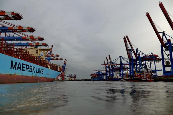 Hafenfaht, Hamburg, Containerhafen, Containerschiff, Container, Maersk, Line, Schiff, Hafenkran