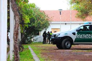 Según se desprendió de la investigación, el agente que cumplía tareas en Salta enviaba, por encomienda y en colectivo, la droga para ser recibida por su par en Jáchal.