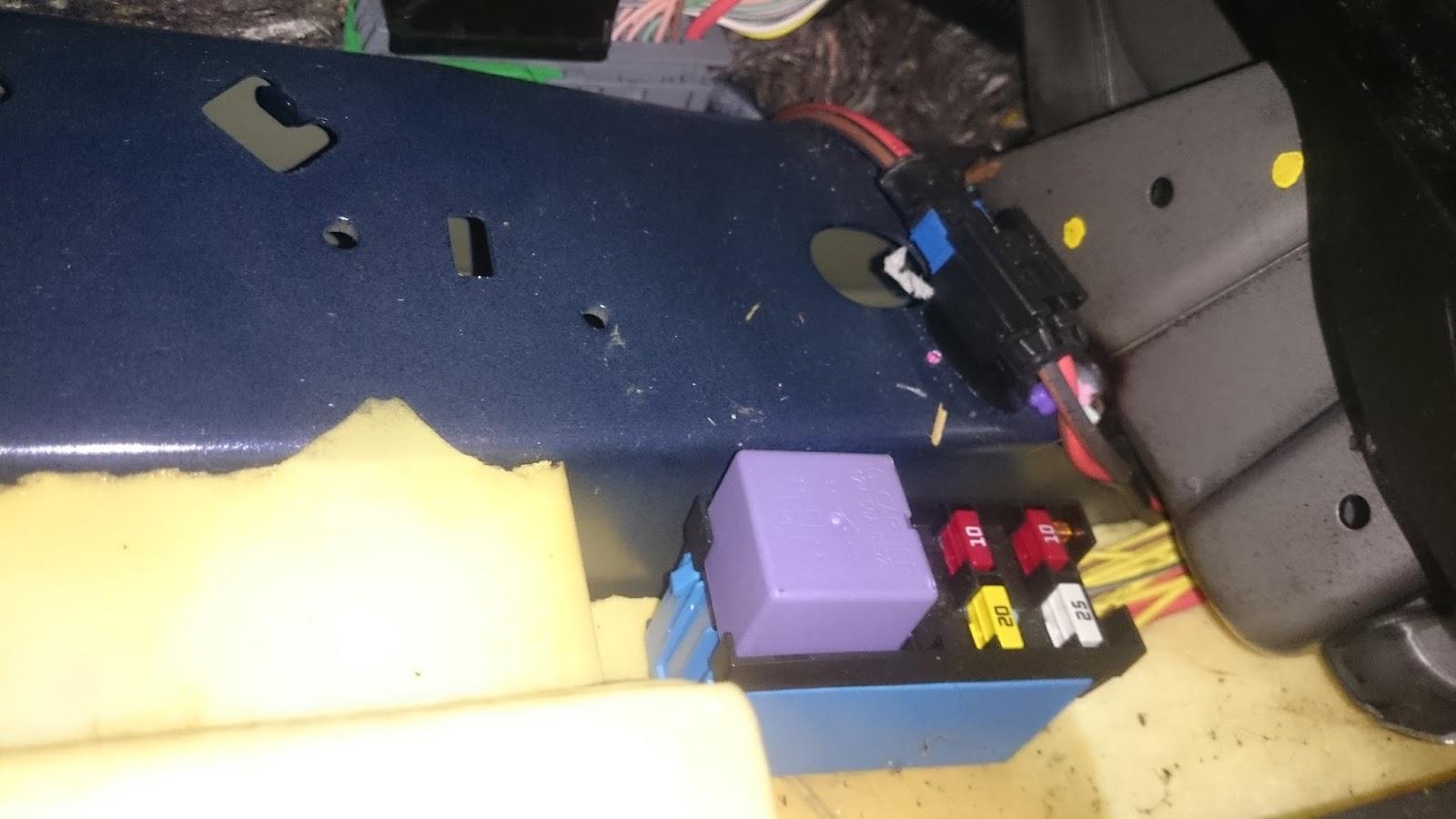 renault megane mk3 radio wiring diagram 2002 dodge durango stereo fuse box alfa romeo spider