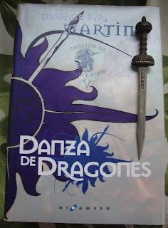 Portada del libro Danza de dragones, de George R. R. Martin