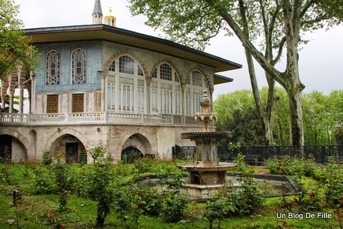 http://www.unblogdefille.fr/2014/05/4-jours-istanbul-jour-3-palais-topkapi.html