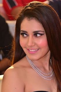 Raashi Khanna at avakusa audio launch 5.jpg