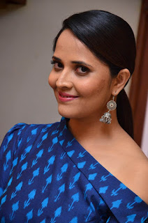 anasuya at avakusa trailer launch 8