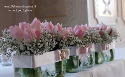 dekoracja ślubna tulipany i gipsówka