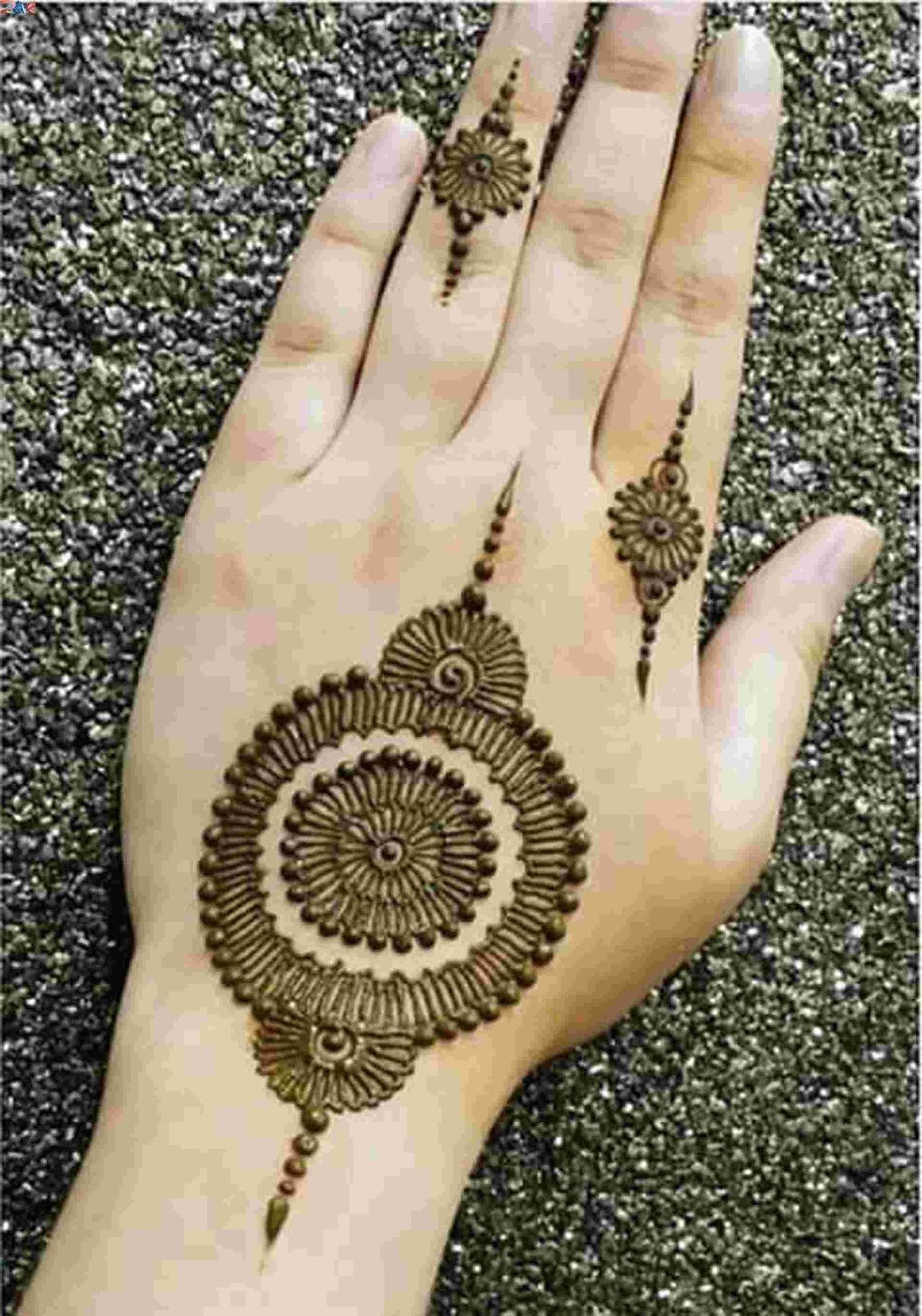 Top Mehndi Designs Book 2013-2017: 2017 Eid Special Mehndi Designs XV75