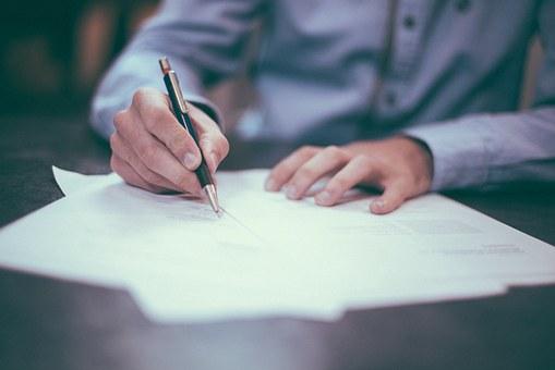 Ilustrasi Peranan Contract dalam Institution image pixabay.com (www.taxedu.web.id)