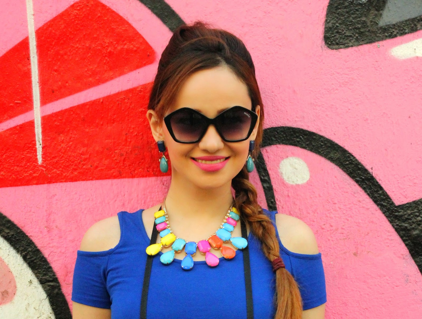 Penatgon Sunglasses & Candy Colour Necklace